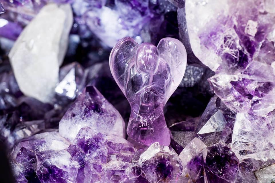 cristalele-Judy-Hall